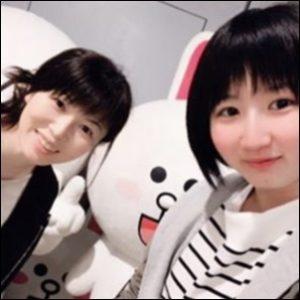 お母さんと早田ひな選手(右)