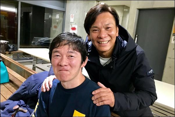 鍵山正和(左)