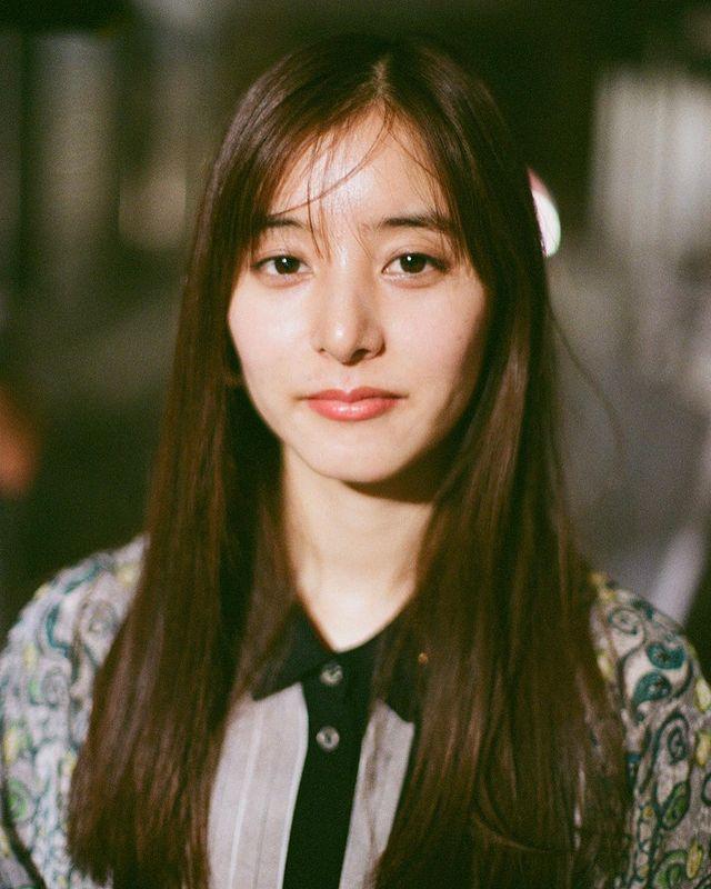 新木優子は韓国人ハーフ?英語が喋れて頭がいい?足が長いと話題に!